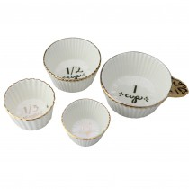 4 Piece Set Measuring Cups.
