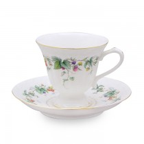 Berry Yard Tea Cups and Saucers, Set of 4